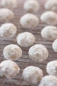 Delicious Mexican Wedding Cookie Recipe - Casa Blanca
